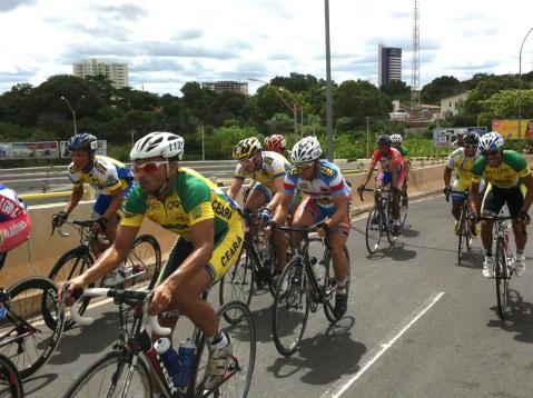 Copa Nordeste de Ciclismo de Estrada - subida ponte estaiada